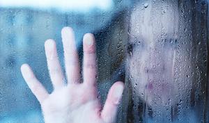 melancholische und traurige Frau